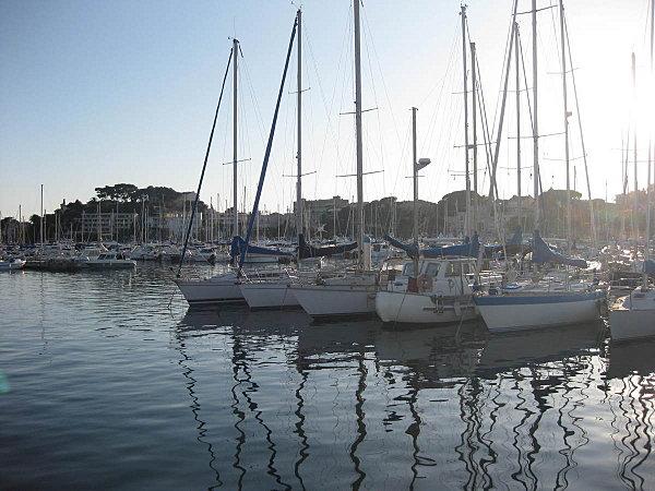 port de bandol, voilier ponton d'accueil