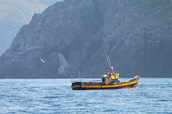 voilier maison mouillage Espagne en nav au port